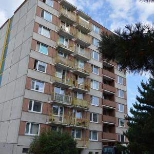 Městský panelový dům v Kostelecké ulici čeká zateplení